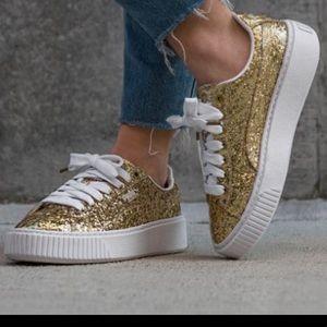 Shoes - Puma Gold Tennis shoes 7.5 platform